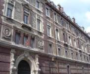 La façade extérieure, rue Valette